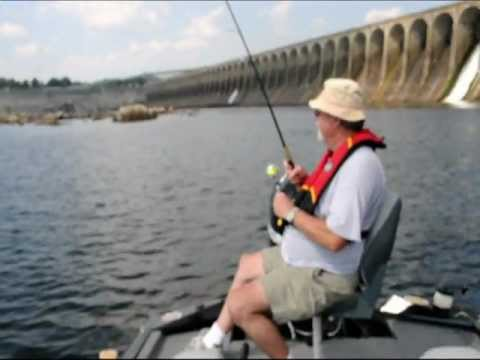 Pickwick lake fishing august youtube for Pickwick lake fishing report