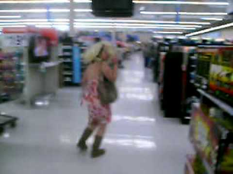 Dolly Parton and Taylor Swift Invade Walmart