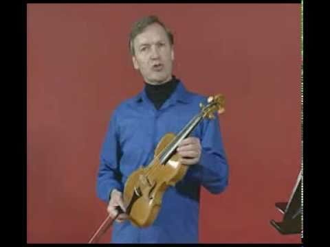 (1772) Christopher Field talks about the violin in unaltered baroque form, c 1720.