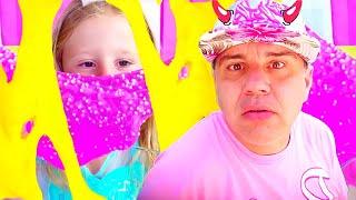 Stacy y papá hacen una limo colorida