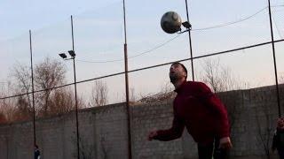 أخبار عربية: الغوطة تستغل وقف القصف بإقامة دوري لكرة القدم وسط الحصار
