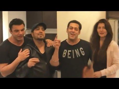 Salman Khan PARTIES With Ex Sangeeta Bijlani At Sohail Khan's Birthday