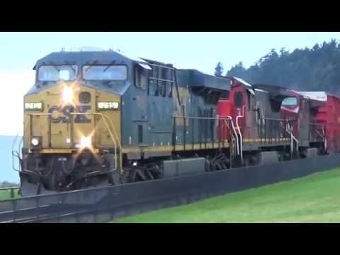 White Rock BC 3 trains CSX CN CP AMTK &...