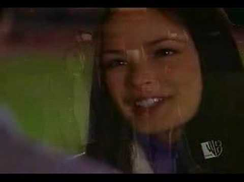 Smallville    -Uncle Sam - When I See You Smile