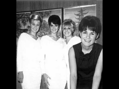 Angie & The Chicklettes - Treat Him Tender, Maureen (Now That Ringo Belongs To You) (Apt 25080) 1965