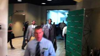 LeBron James & Dwyane Wade arrive at the TD Garden