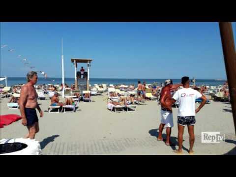 """Spiaggia fascista Chioggia, audio del titolare: """"Amo il regime, i tossici andrebbero sterminati"""""""