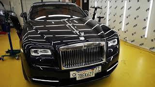 Ремонт перетянутой вмятины на двери Rolls-Royce.