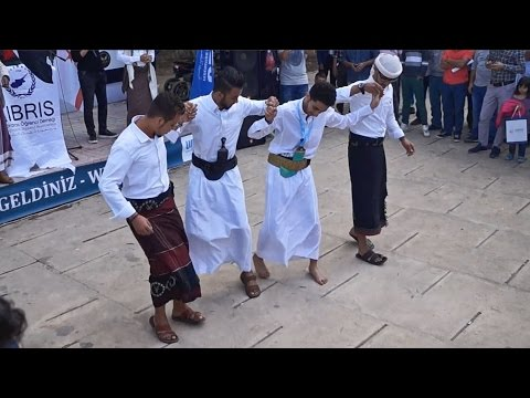 Dance by students from Yemen