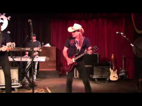 Knoxville Girl / Larry Stephenson Band from YouTube · Duration:  3 minutes 18 seconds