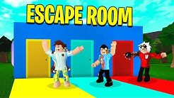 We Tried A BLOXBURG ESCAPE ROOM. Owner Had EVIL Plans! (Roblox)