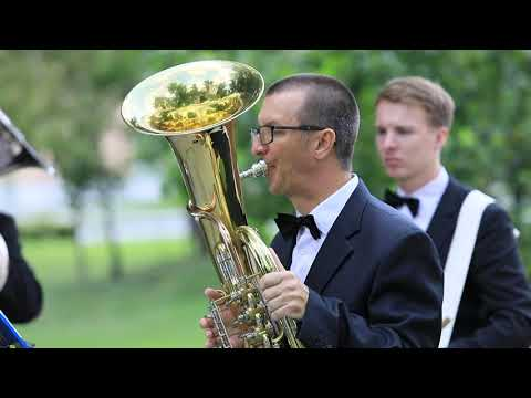Французский вальс «Под небом Парижа», играет духовой оркестр Бравур на городском празднике