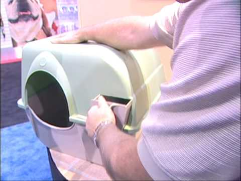 Kenneth Andrew Bell visits Best Cat Litter Box Ever......Omega Paw and the Roll'N Clean Litter Box
