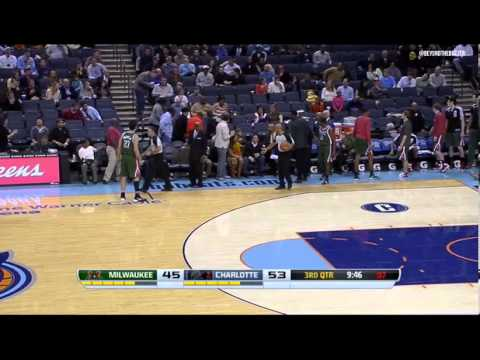 Gerald Henderson hits lady in face with pass