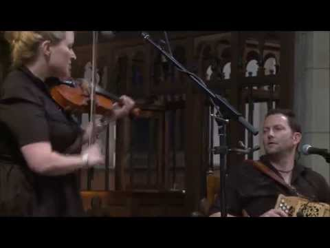 Eliza Carthy & Saul Rose: The Lads Like Beer, Trouble Over Bridgewater, The Quarter Brawls