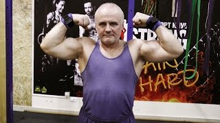 Анатолий, 56 лет. Тренировка атлета на турнике и брусьях