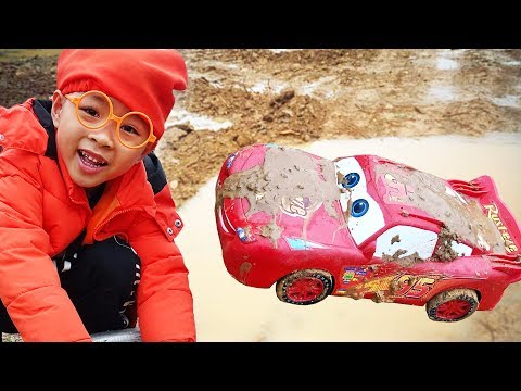 Fine Toys Construction Vehicles Looking for underground car | Dave Mario and brother