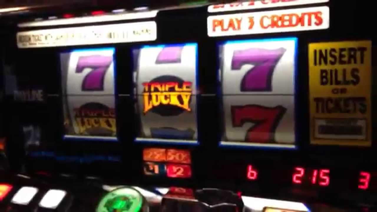 Cardboard slot machine