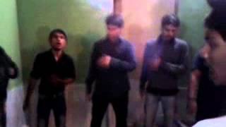 Kumail Reading Parda Duniya ko sikhane wali