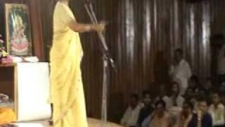 Noida Kaviyatri .Madhu Upadhyaya..Aakh Bolane Lage to Janiye O Pyar Ho Gaya Hai...