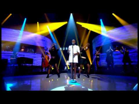 Laura Mvula - Green Garden (Live Graham Norton Show)