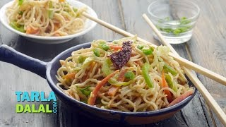 Hakka Noodles, Vegetable Hakka Noodles by Tarla Dalal