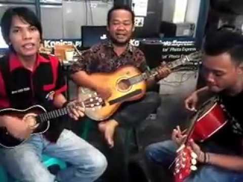Gemu Famire Cover Trio JJS