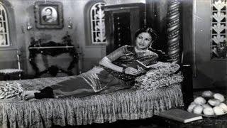Aplam Chaplam - Lata & Usha Mangeshkar - AZAAD - Dilip Kumar, Meena Kumari, Pran