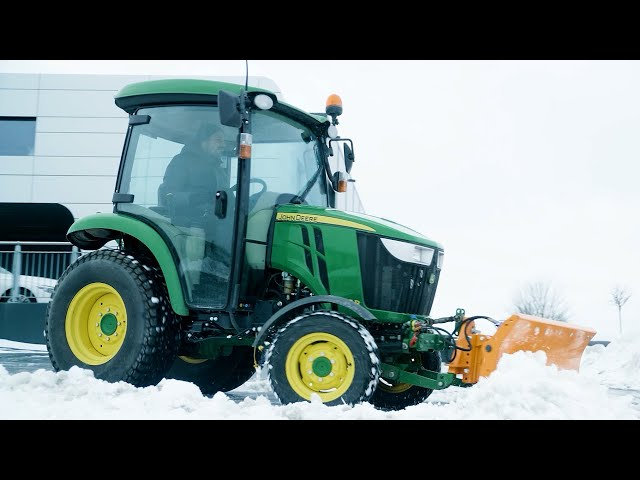John Deere | Kompakttraktorer 2019 — Winter in use