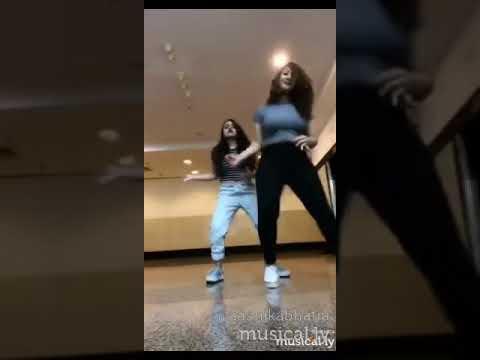 Aashika bhatia dance video with vitasta on bumpy ride