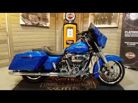 2018 Harley Davidson Street Glide Flhx Electric Blue Youtube
