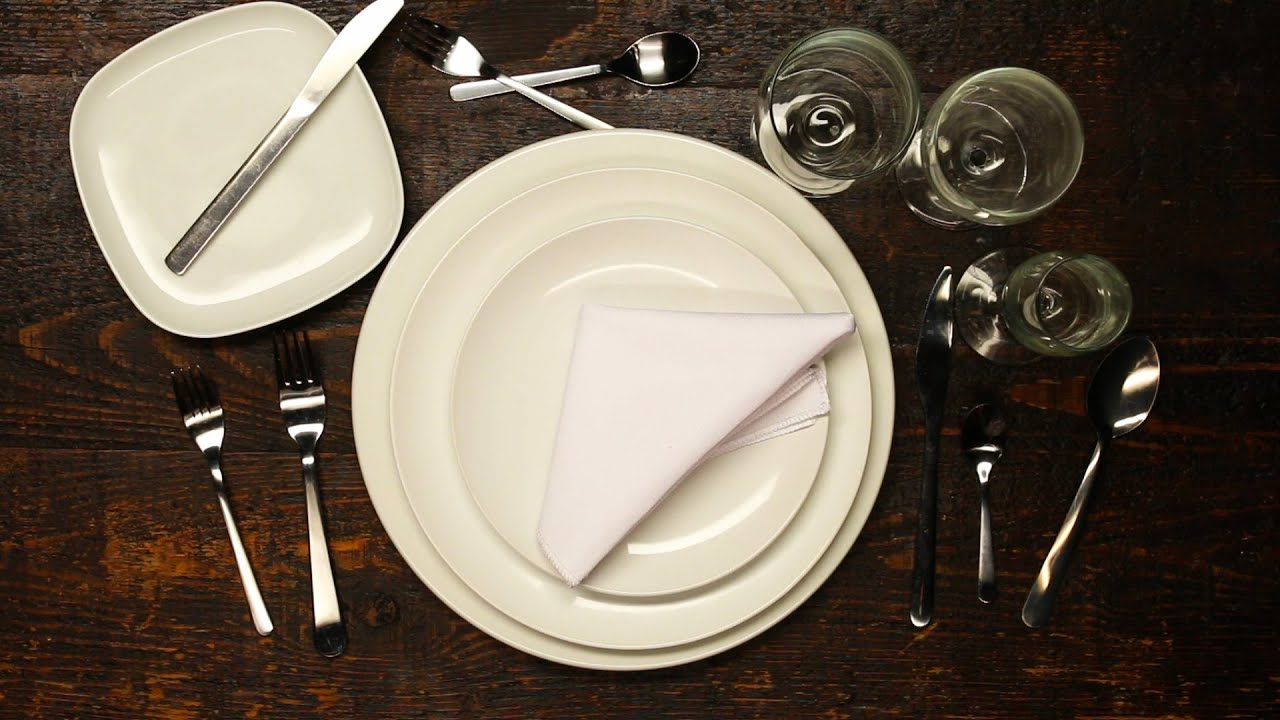 How to set a formal dinner table youtube for Fancy dinner table