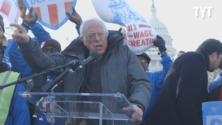 Bernie Sanders, Elizabeth Warren Celebrate Workers