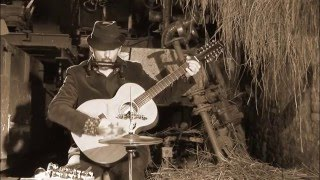 STOMPIN' JOE  (One man band ) . Midnight Spécial