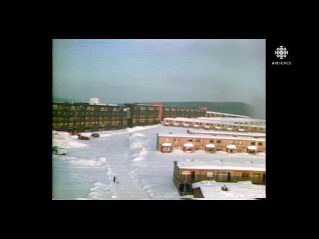 En 1976, la ville de Fermont: la vie des travailleurs et de leurs familles qui y vivent à l'année