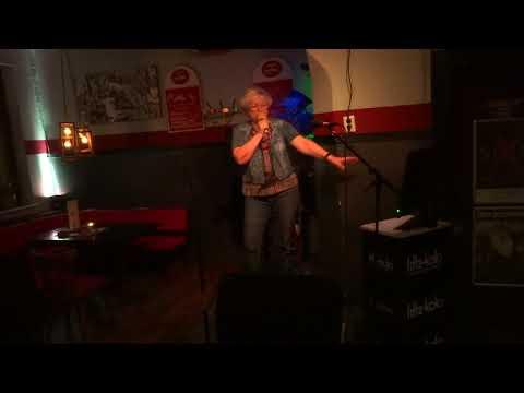 Thunderball, Tom Jones Marias Karaoke-Cover Rena Böhlke