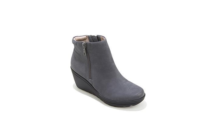 bcdc63de04b Naturalizer Quineta Leather Platform Wedge Bootie - YouTube