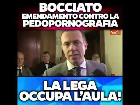 BOCCIATO EMENDAMENTO CONTRO LA PEDOPORNOGRAFIA! LA LEGA OCCUPA L'AULA!