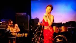 横浜ライブハウスこびさんでの夏ライブ ひろりんさんのピアノをバックに...