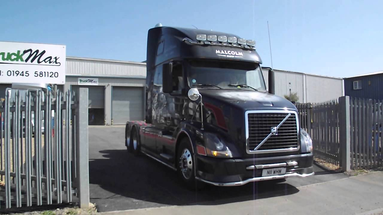 TruckMax 10inch!! Twin-Stacks - VOLVO VN - WH Malcolm - YouTube