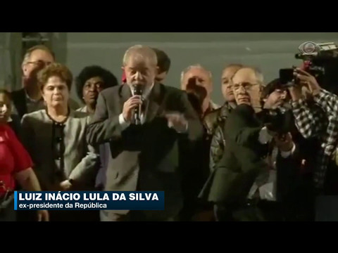 Ex-presidente Lula Participou De Comício Em Curitiba