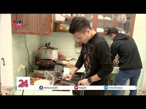 Đầu năm vào bếp cùng Quang Hải U23 Việt Nam | VTV24
