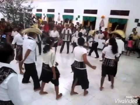 Tarian Kebalai Jemaat Gereja Thalita Khumi Nggauk