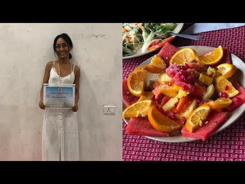 IM A YOGA TEACHER! What I Eat in a Day in INDIA [vegan]