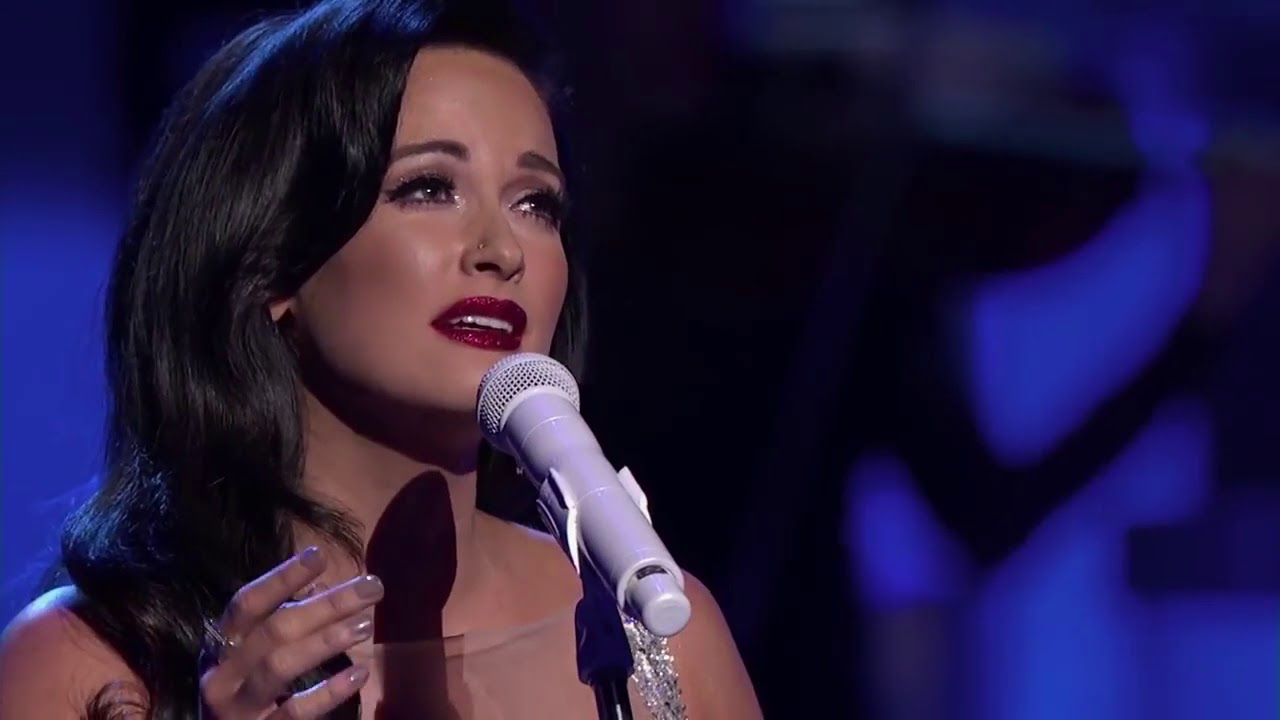 Christmas Makes Me Cry (20min) Kacey Musgraves - YouTube