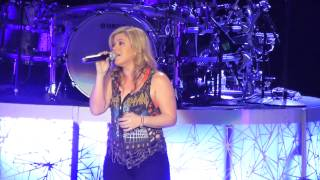 Kelly Clarkson - Dark Side (Live in Dublin)