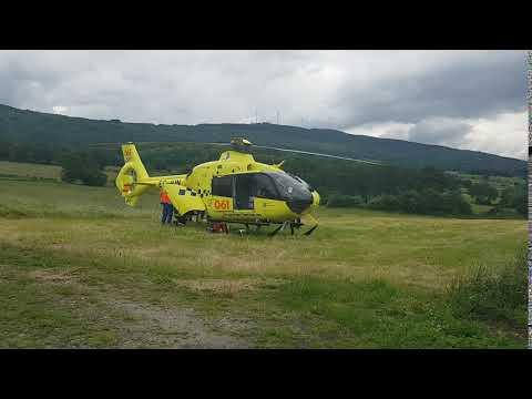 El helicóptero traslada a un sexagenario herido grave en un accidente en O Páramo