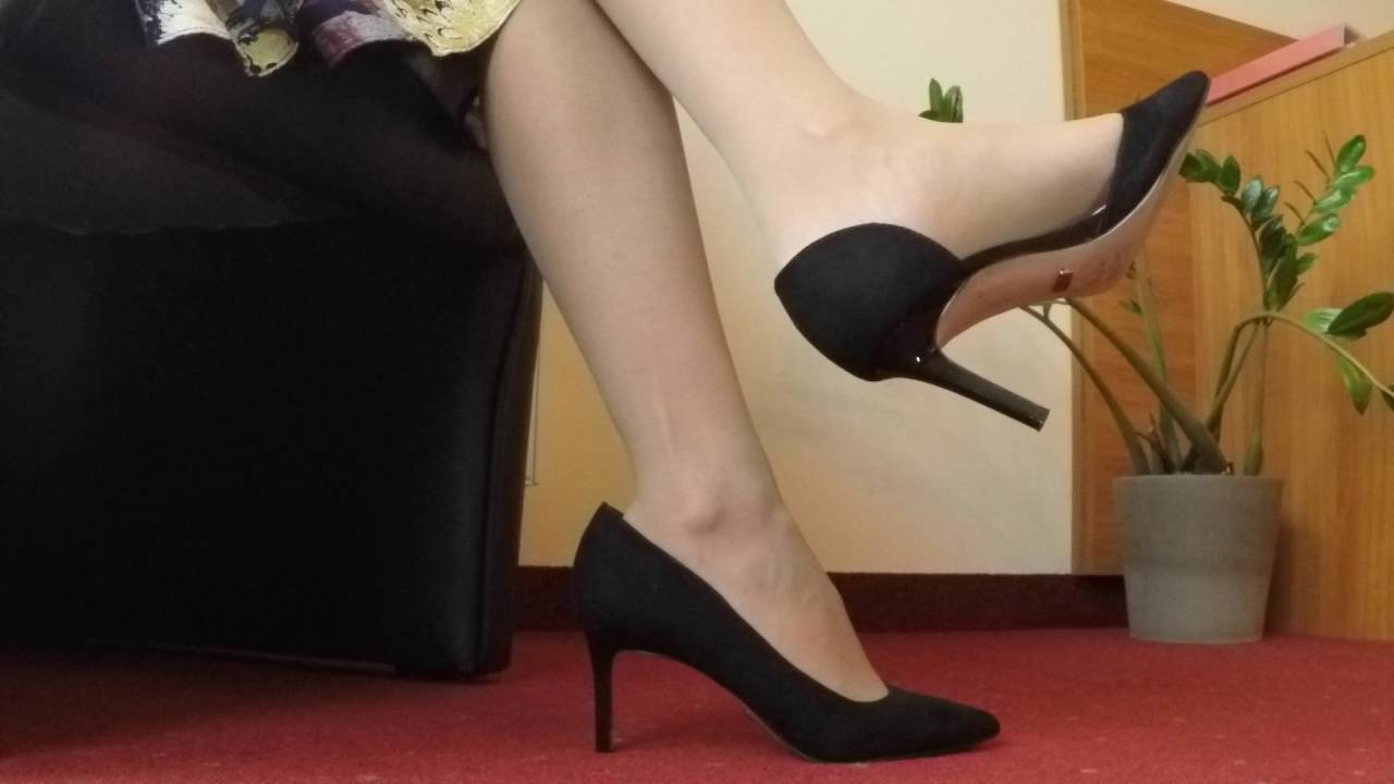 Nylon shoe play