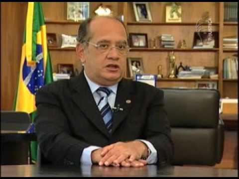 Ministro Gilmar Mendes responde a perguntas de deputados federais