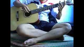Người Đàn Bà Hóa  Đá-Guitar